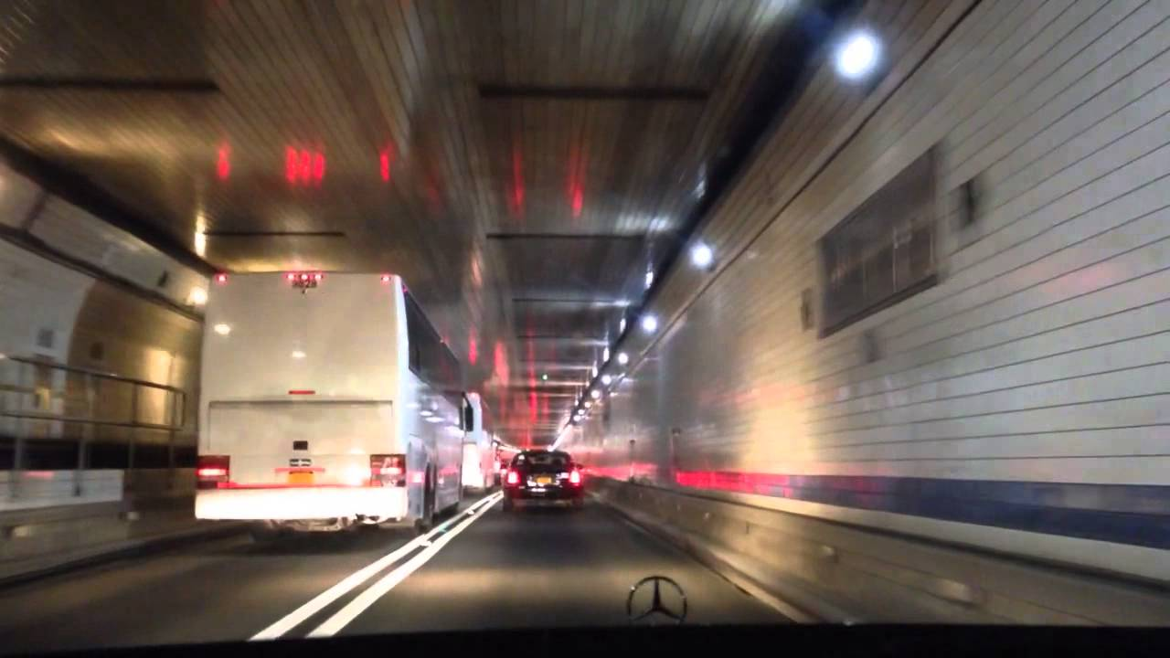 Flaming car shuts down Lincoln Tunnel
