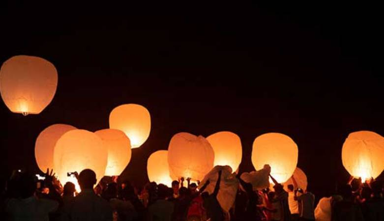 Lanterns cannot be seen on Buddhapurnima, prayers at home