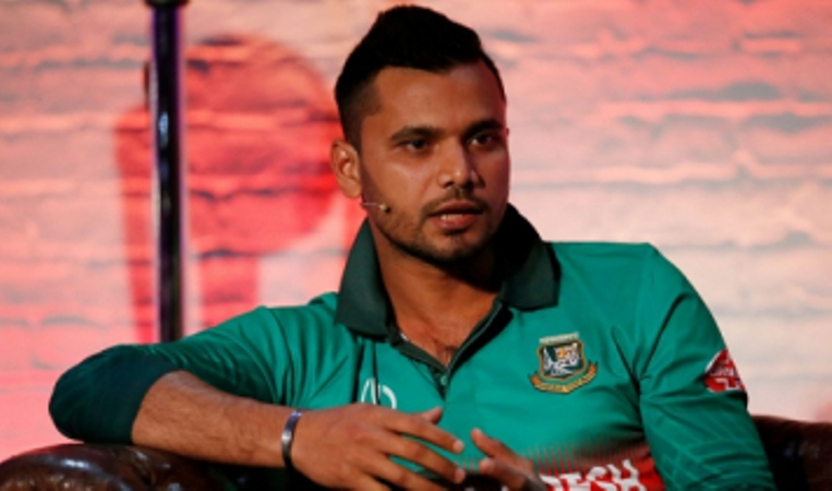 The buyer bought Mashrafe's bracelet and gave it to him as a gift