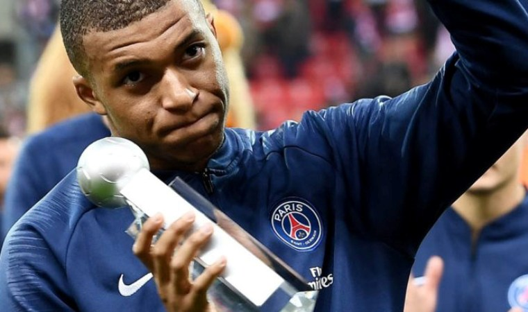 The number of goals is the same, but the 'Golden Boot' belongs to Mbappe