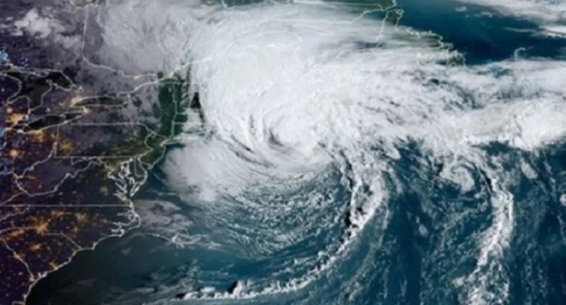 Maharashtra and Gujarat are facing severe cyclones